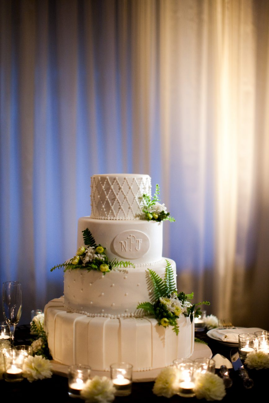 Arroyo Trabuco Golf Club Orange County Wedding Cake Wedding Sassy Girl Weddings & Events Los Angeles & Orange County Wedding Planner and Wedding Planning